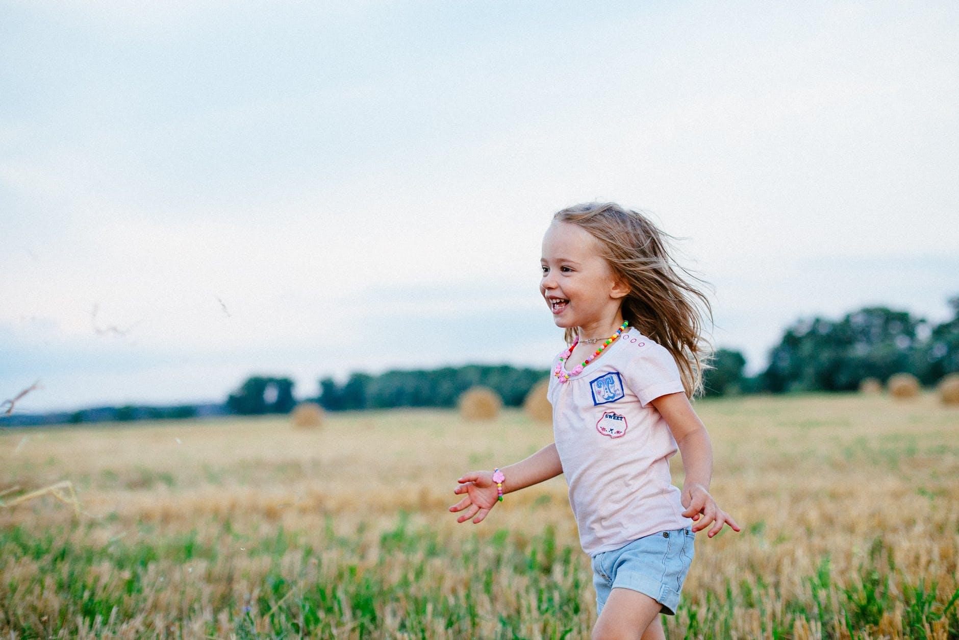 Delphine Frébourg sophrologue spécialisée pour les enfants à Yvetot